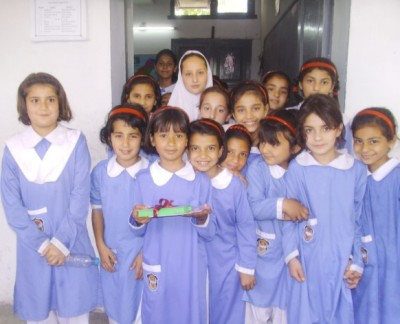 Illustrative photo of schoolgirls in Peshawar, Pakistan