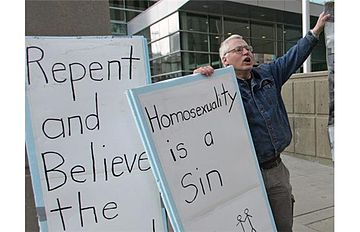360px-Bill_Whatcott_protesting_outside_Calgary_courthouse