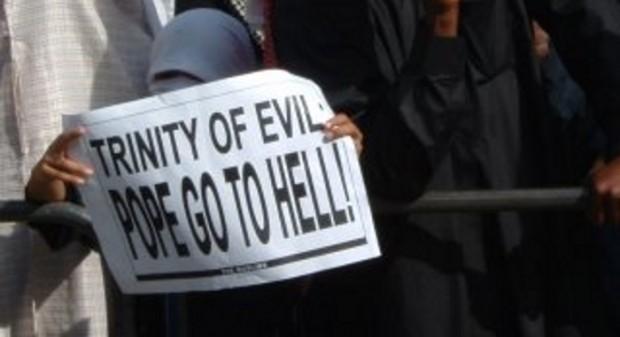 Islam hates christianity