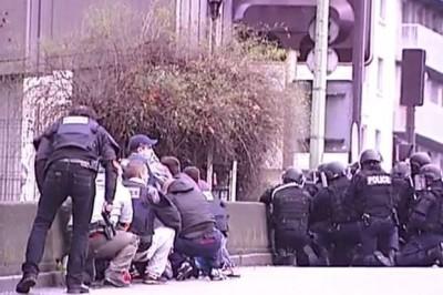 muslim takes hostage at kosher supermarket in Paris