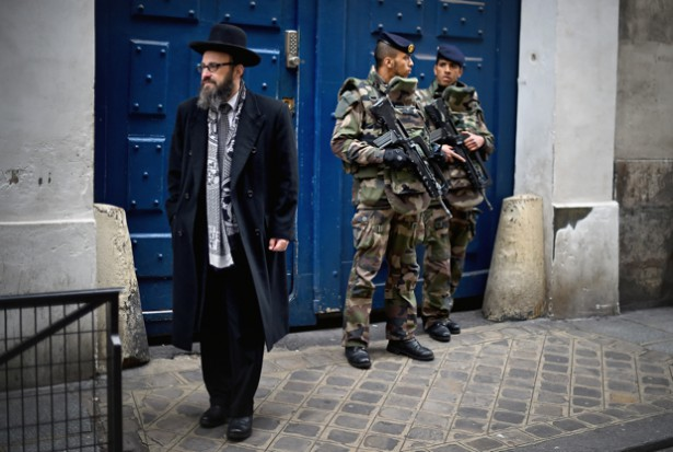 France Synagogue Under Guard Against Muslim Attack