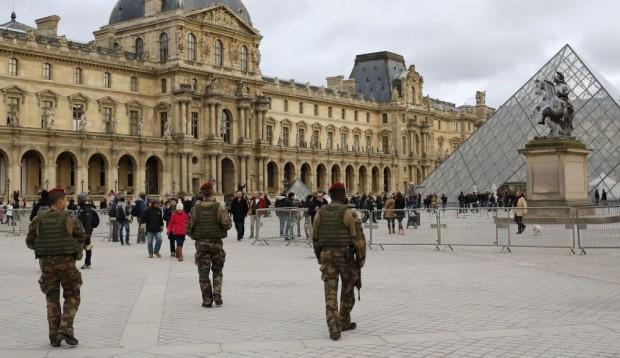 France-Terror-Filming_Horo-e1423139087146