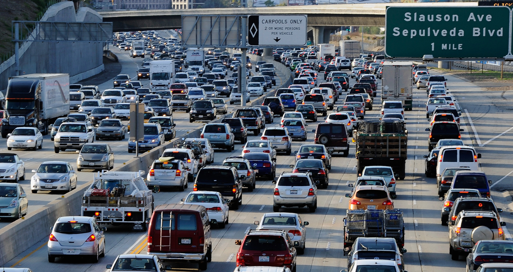 LOS ANGELES, CA - NOVEMBER 23:  Traffic comes to a stand still on the northbound and the southbound lanes of the Interstate 405 freeway near Los Angeles International Aiprort  on November 23, 2011 in Los Angeles, California. Orbitz named LAX as the nation's busiest airport for 2011 Thanksgiving travel.  (Photo by Kevork Djansezian/Getty Images)