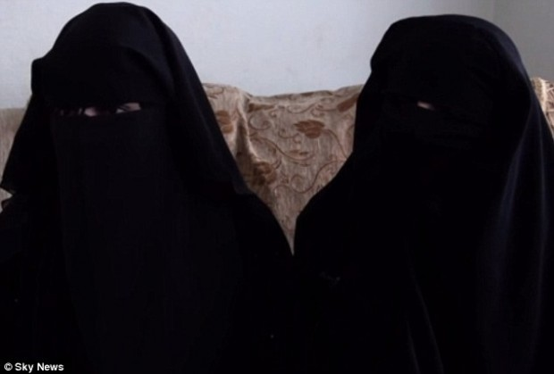 Jihadi brides escape Doaa_and_Umm