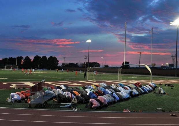 Somalis-pray-Minnesota
