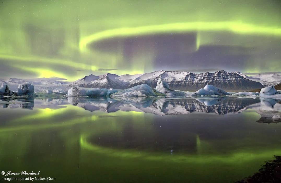 Aurora-Icelandic-Glacer