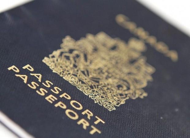 Canadian passport1