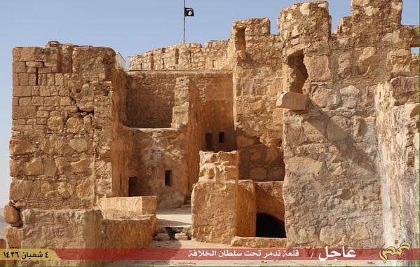 ISIS-flag-above-Palmyra