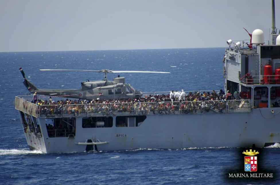 Italian Naval vessel Spica carrying close to 1000 migrants rescued in on-going operations is seen in this May 30, 2015 handout picture provided by Marina Militare. REUTERS/Marina Militare/Handout via Reuters