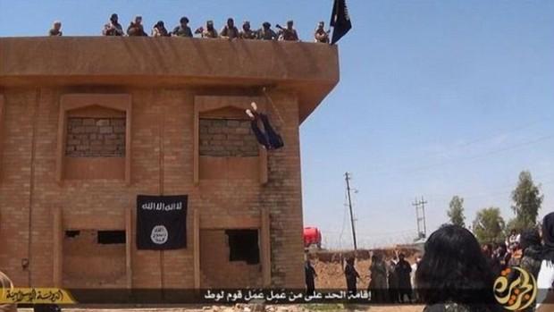Muslims kill Homosexual